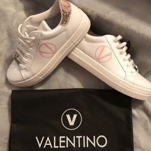 🔥NEW Valentino Sneakers🔥